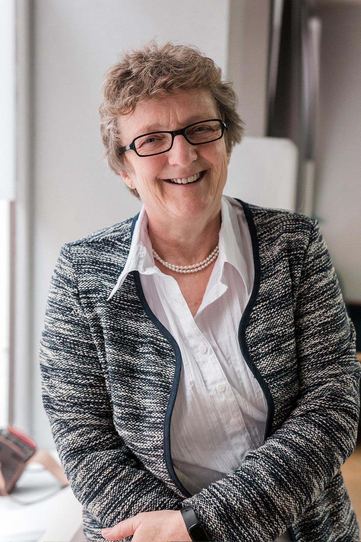 Helga Krumschmidt
